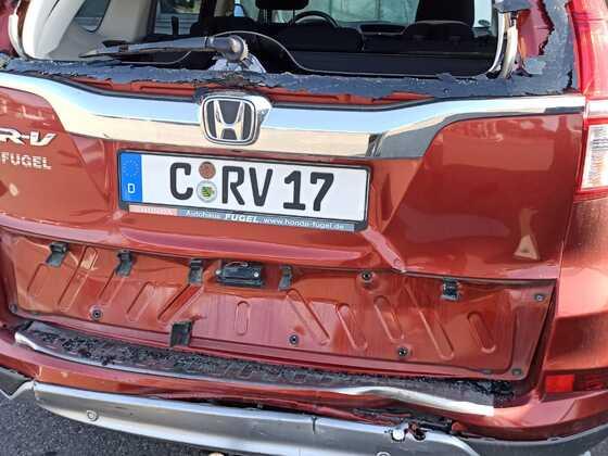 Am 18.10.2021 nach Auffahrunfall durch VW Transporter vor Roter Ampel stehend